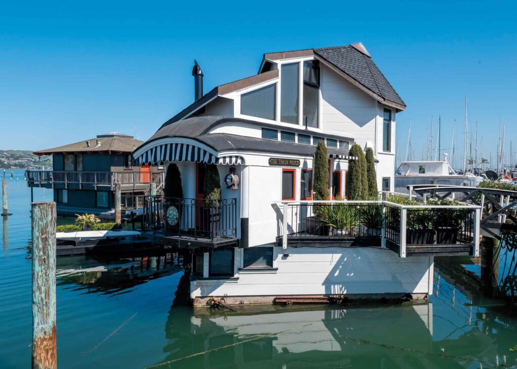 """""""Train Wreck"""" floating home in Sausalito"""