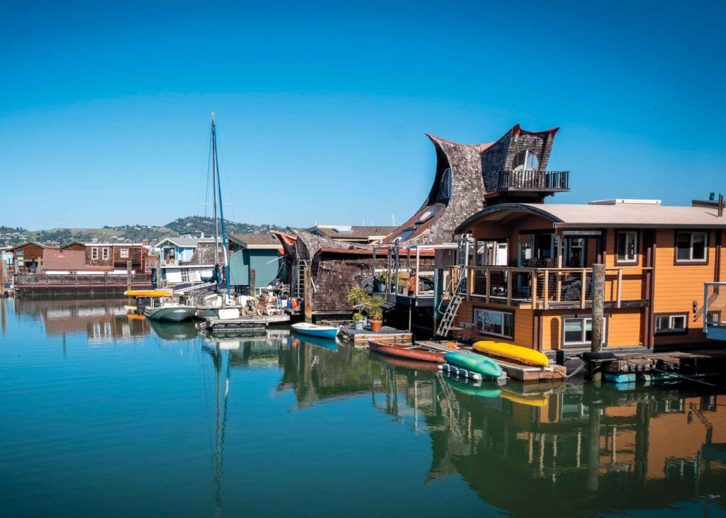 """""""Water Owl"""" houseboat in Sausalito"""